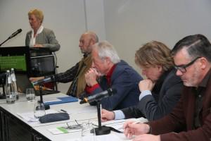 Von links Staatssekretärin Dr. Schilde, Wotschikowsky (Protokoll), Prof. Röhle (Moderation), A. Piela und E.Klug(Ministerium). Foto Herklotz/BauernZeitung.